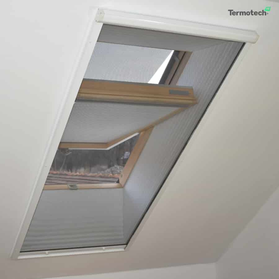 tetőablak szúnyogháló